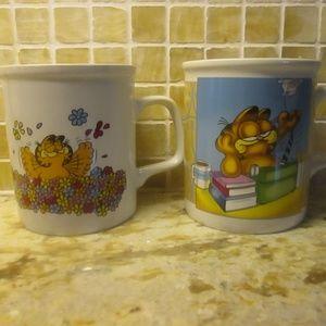 SET OF TWO VINTAGE GARFIELD COFFEE TEA MUGS